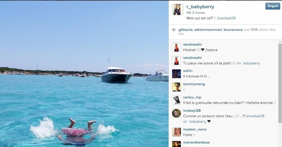 Witsel aproveita férias na Sardenha
