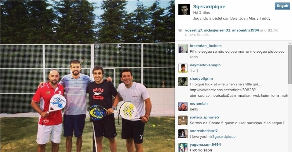 Gerard Piqué aproveitou o tempo livre para curtir com os amigos