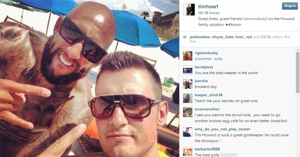 Herói dos EUA na Copa, Howard curte férias com a família