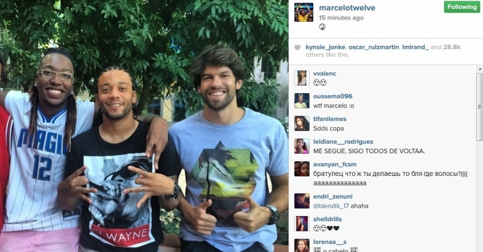 Lateral-esquerdo Marcelo posta foto no Instagram com trancinhas no cabelo