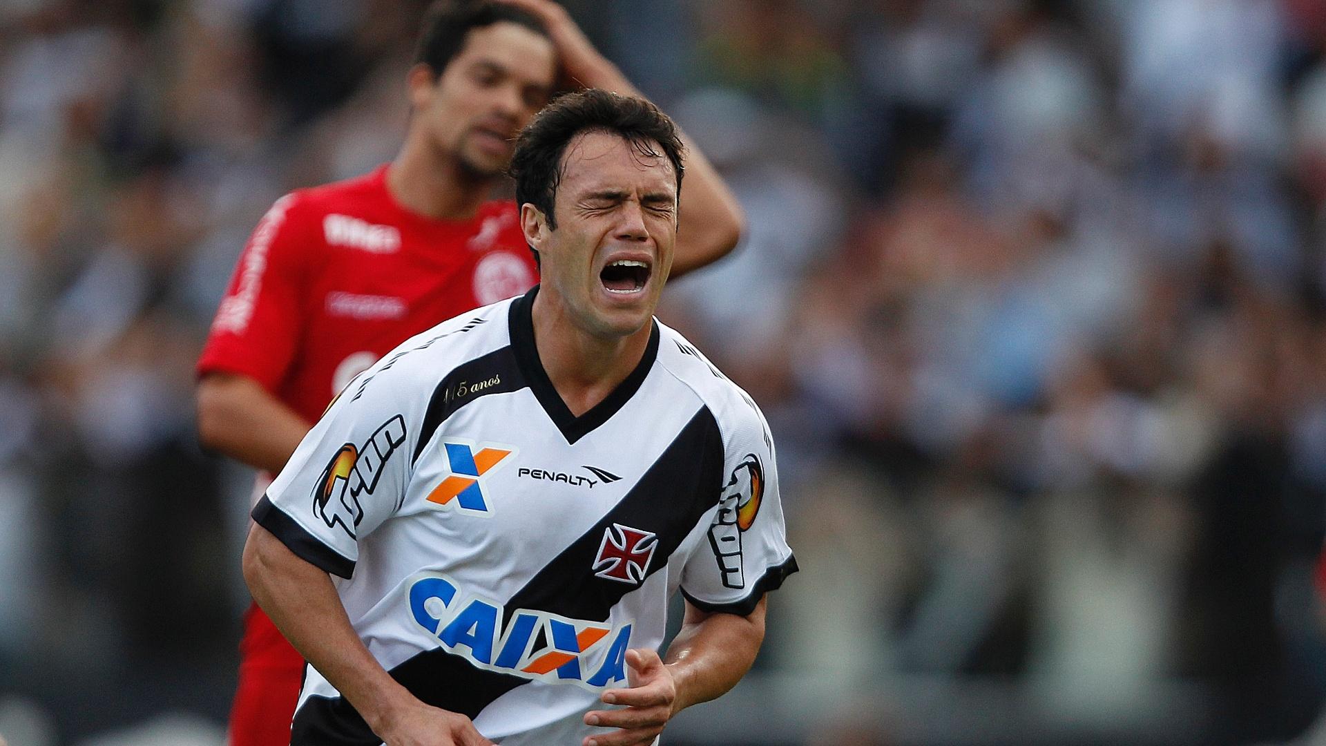 19.jul.2014 - Kleber lamenta lance perdido no empate do Vasco com o América-RN pela Série B do Campeonato Brasileiro