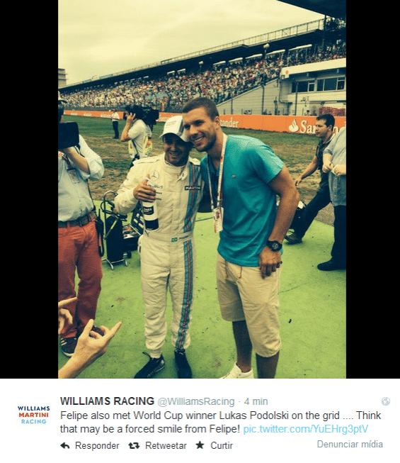 20.jul.2014 - Equipe Williams publica foto de Felipe Massa ao lado de Podoslki no grid de largada