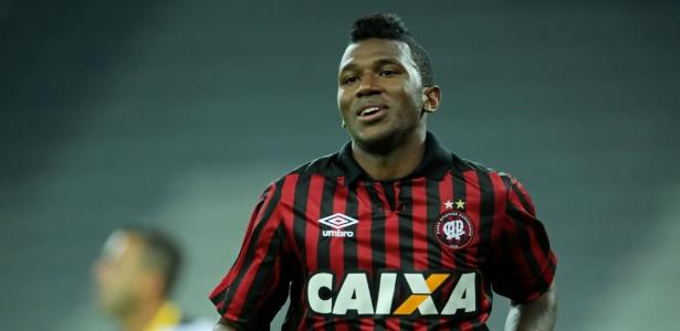 Destaque do clube do PR, Douglas Coutinho estaria na mira também de Porto e Cruzeiro - Heuler Andrey/Getty Images