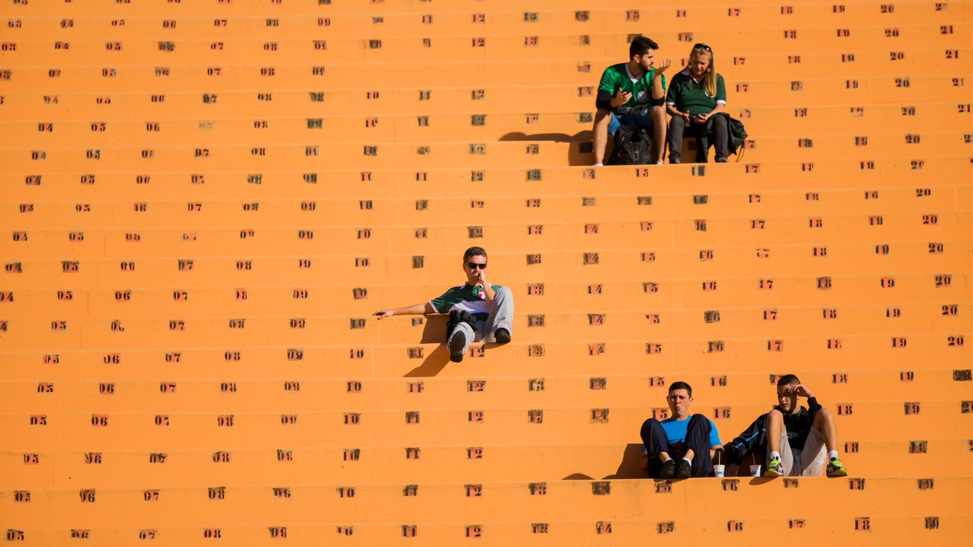 Estádio do Pacaembu recebe pouco público para o jogo entre Palmeiras e Cruzeiro