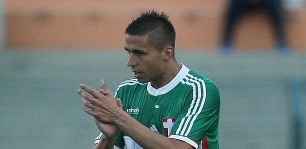 Tobio está fora dos planos de Cuca, mas voltou a treinar no Palmeiras