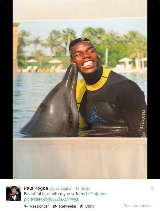 A revelação francesa Paul Pogba foi a Dubai e aproveitou para conhecer os golfinhos de perto