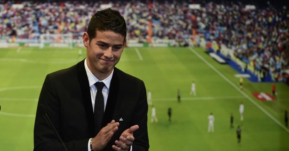 Um dos destaques da Copa, James Rodríguez é apresentado pelo Real Madrid - 22. jun 2014