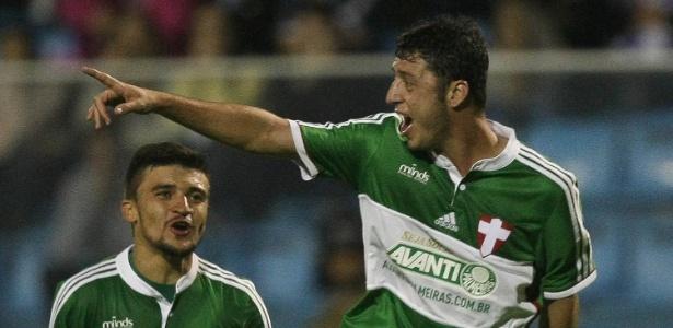 79f57cec8a Gols e maré de sorte  as armas de Felipe Menezes para emplacar no ...