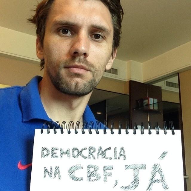 Paulo André pede democracia na