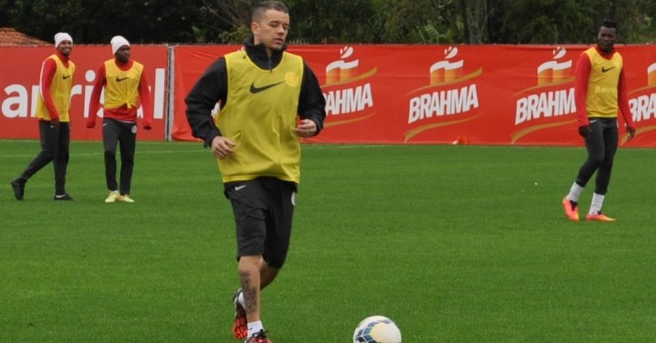 24 jul 2014 - D'Alessandro volta a trabalhar no treinamento do Internacional