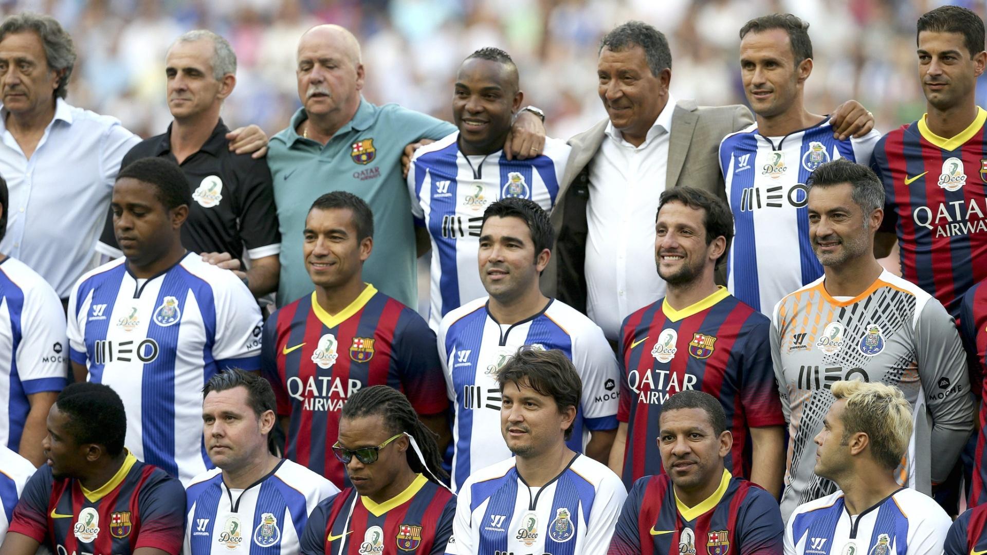 Jogadores do Porto de 2004 e do Barcelona de 2006 se reúnem para a partida em homenagem a Deco