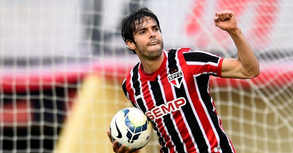 O meia fez o único gol do São Paulo no Serra Dourada