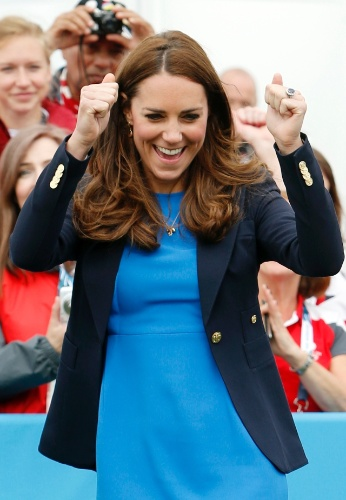 29.jul.2014 - Kate Middleton comemora seu desempenho no