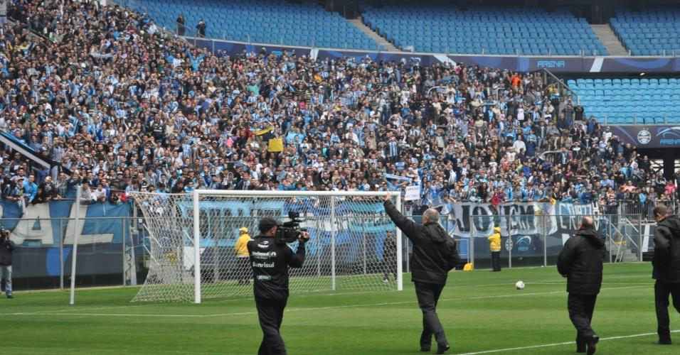 30 jul 2014 - Felipão agradece apoio de torcedores do Grêmio em primeiro treinamento
