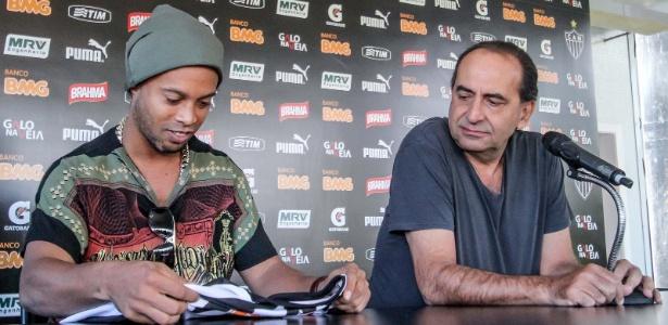 Em 2012, Kalil contratou Ronaldinho Gaúcho para reforçar o Atlético-MG - Bruno Cantini/Site do Atlético-MG