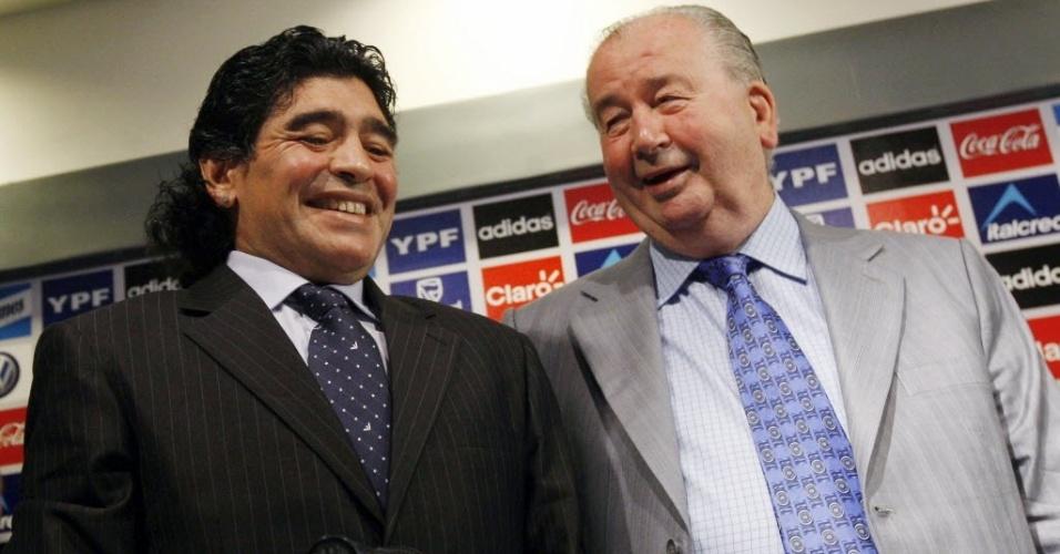 Grondona teve relação de amor e ódio com Diego Maradona. Ídolo jogou e treinou a Argentina na gestão de Don Julio