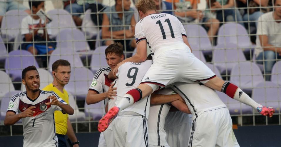 31. jul. 2014 - Alemão Hany Mukhtar comemora gol marcado pela final da Euro sub-19, contra Portugal