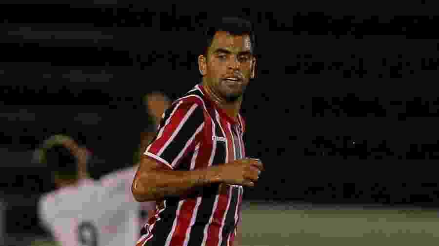 Maicon defendeu as cores do São Paulo de 2012 a 2015, participando de mais de 160 jogos - Celio Messias/VIPCOMM