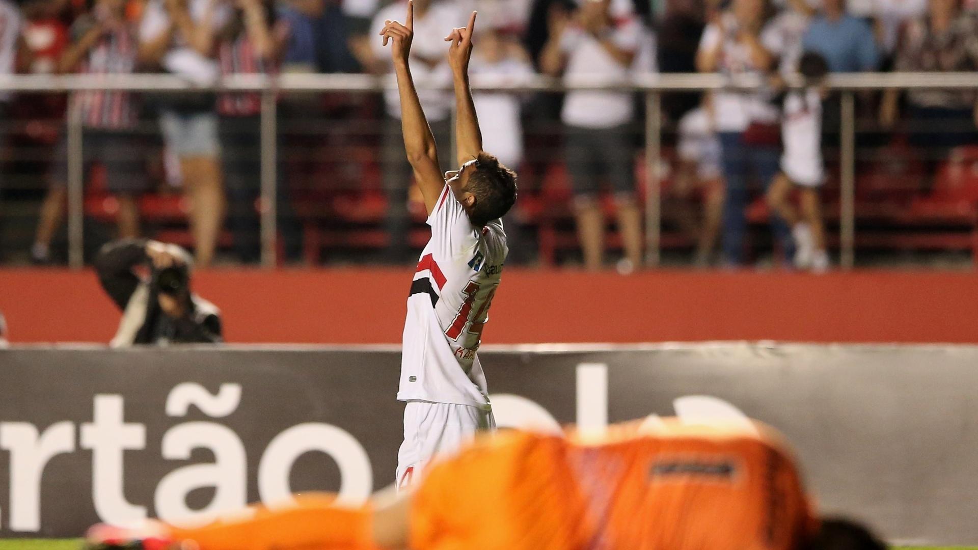 Alan Kardec comemora gol do São Paulo contra o Criciúma pelo Brasileirão