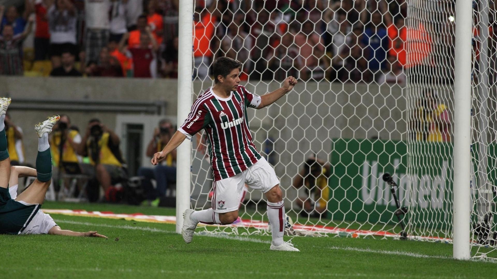 Conca comemora gol do Fluminense contra o Goiás pelo Campeonato Brasileiro