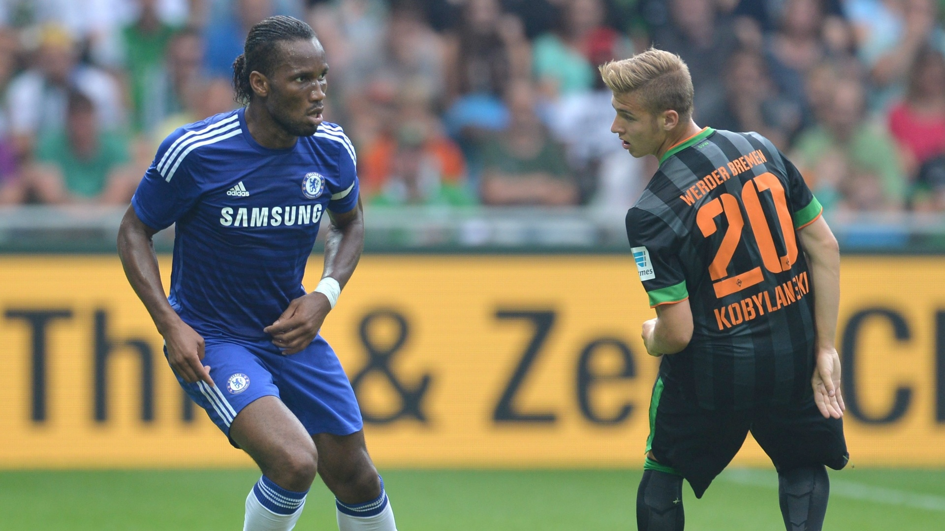Didier Drogba domina a bola em amistoso do Chelsea contra o Werder Bremen, na Alemanha
