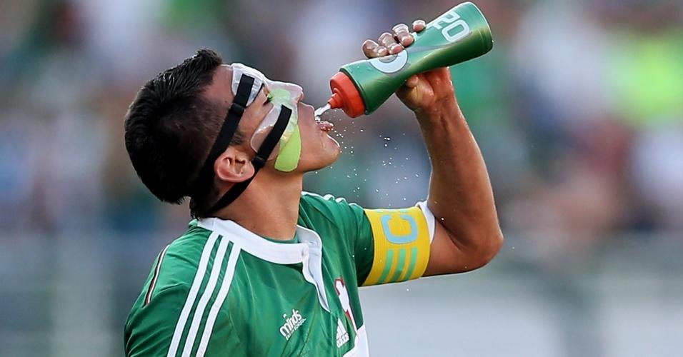 Lúcio usou máscara de proteção na partida entre Palmeiras e Bahia pelo Campeonato Brasileiro