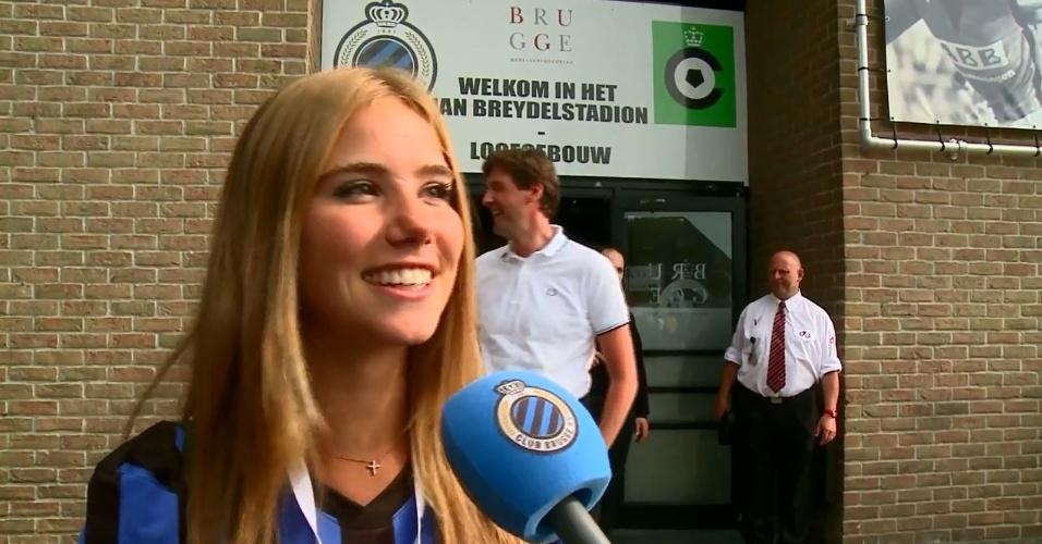 04.08.2014 - Musa da Bélgica na Copa, Axelle Despiegelaere é apresentada como torcedora oficial do Brugge