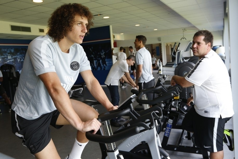 David Luiz realiza testes físicos em seu primeiro dia como jogador do Paris Saint-Germain