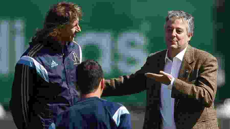 Paulo Nobre com Ricardo Gareca durante passagem do argentino pelo comando do Palmeiras em 2014 - Cesar Greco/Ag. Palmeiras/Divulgação