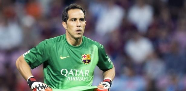 Técnico espanhol admira maneira como Bravo joga com a bola nos pés