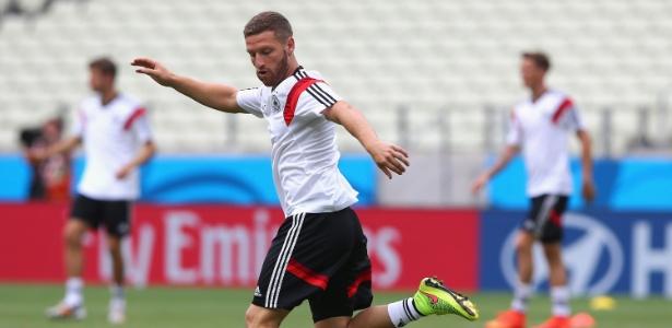 Mustafi foi campeão do mundo com a seleção alemã