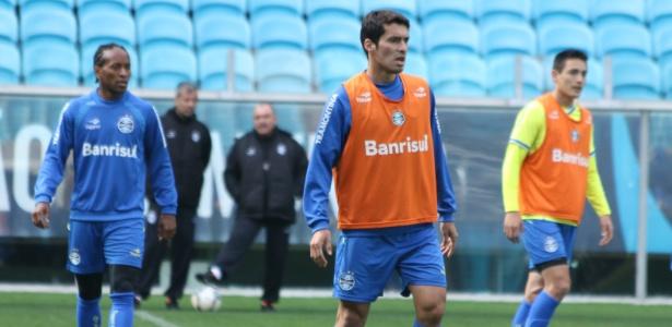 Grêmio espera por Riveros para definir time que pega o Atlético-PR ... db0dfc53b8738