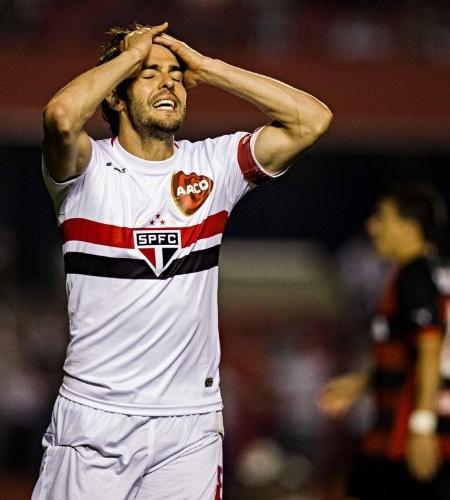 Kaká lamenta chance perdida para o São Paulo no duelo com o Vitória