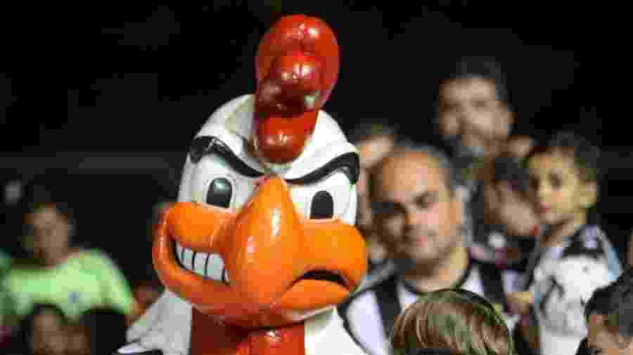 Galo Doido, mascote do Atlético-MG, se desculpa com jogadora após atitude machista - Bruno Cantini/Atlético-MG