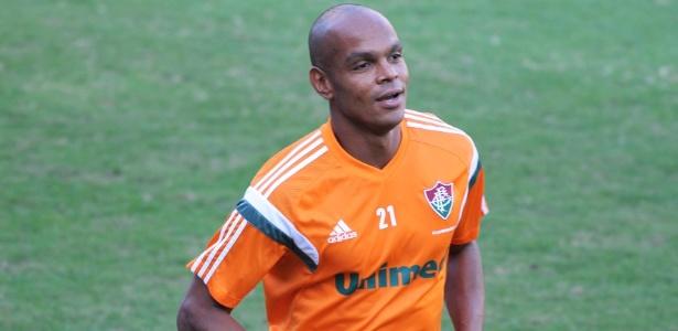Fluminense foi o último clube do experiente zagueiro Henrique