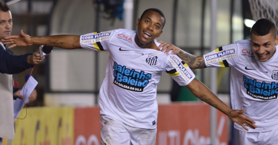 Robinho comemora o 1° gol do Santos obre o Londrina na Vila Belmiro