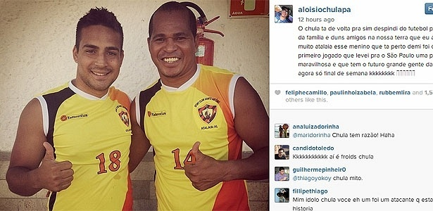 Aloísio Chulapa posa com a camisa do Sport Clube Santo Antônio