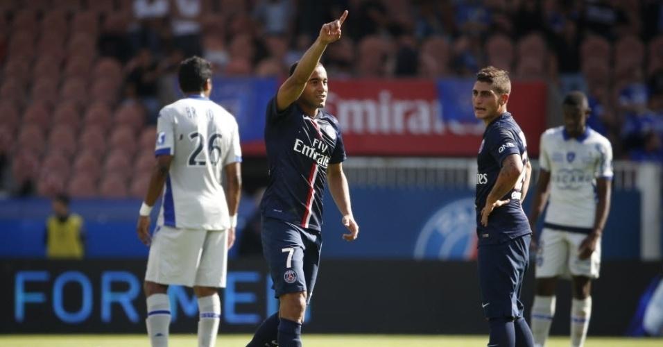 Lucas comemora o gol que abriu o placar para o PSG na partia contra o Bastia