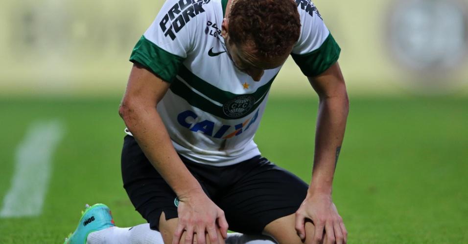 Zé Love lamenta chance perdida pelo Coritiba na derrota para o Flamengo