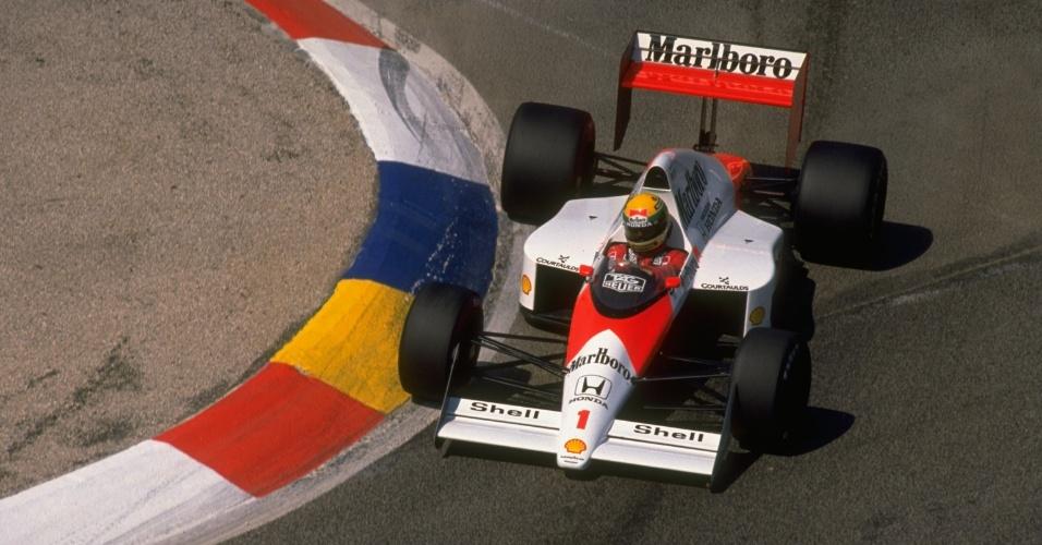 Ayrton Senna, com sua McLaren-Honda, no GP da França de 1989, em Paul Ricard