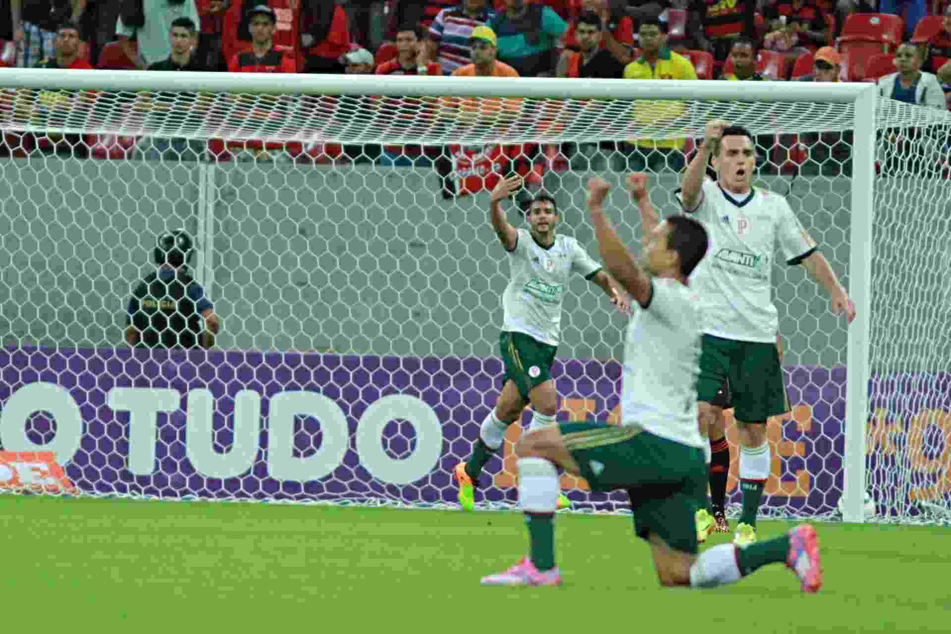 Jogadores do Palmeiras comemoram gol contra o Sport pelo Brasileirão - Renato Spencer/Getty Images