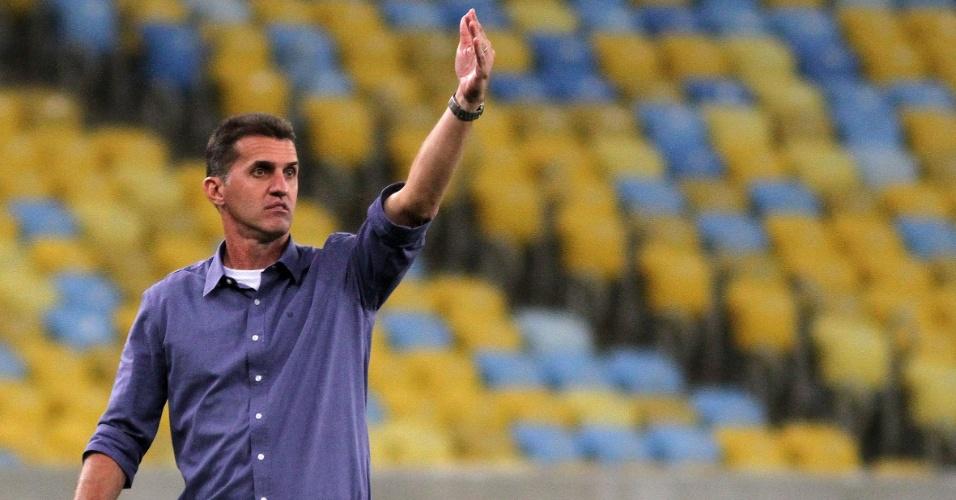 23.08.2014 - Vágner Mancini dá instruções ao Botafogo