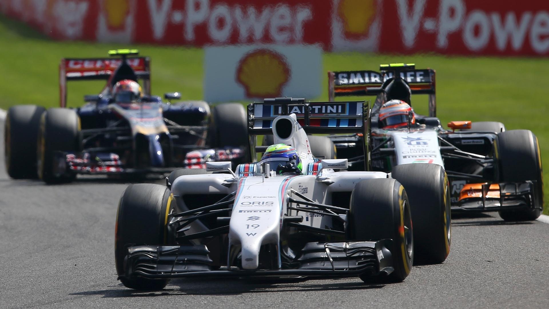Felipe Massa teve problemas com o carro