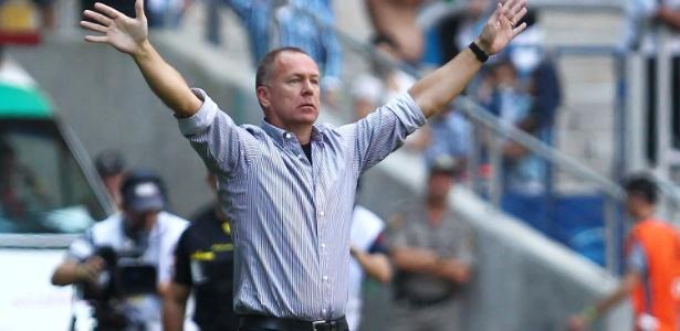 Mano Menezes ajudou Grêmio a sair da segundona e detém recorde no clube