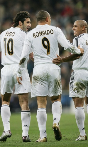 Figo, Ronaldo e Roberto Carlos pelo Real Madrid