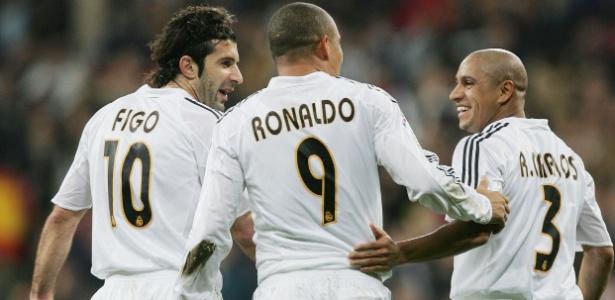 Galácticos: Figo, Ronaldo e Roberto Carlos entraram no time dos sonhos de Casillas - Denis Doyle/Getty Images