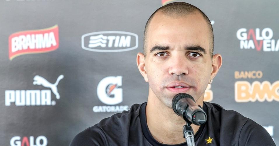 26 Ago. 2014 - Atacante Diego Tardelli, do Atlético-MG, durante entrevista coletiva na Cidade do Galo