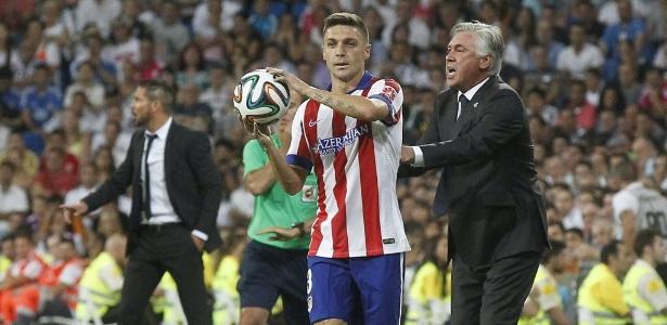 Guilherme Siqueira em ação pelo Atlético; lesionado, ele foi sondado pelo Corinthians