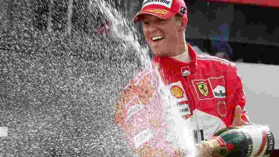 Schumacher celebra seu sétimo título mundial no pódio do GP da Bégica - Pascal Rossignol/Reuters