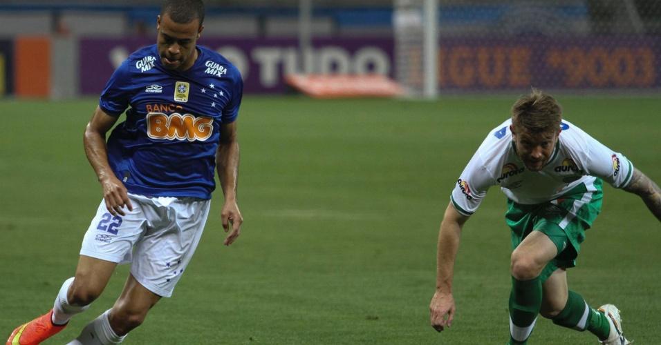 Cruzeiro, de Mike, começou perdendo a partida, mas conseguiu virar o jogo no Mineirão